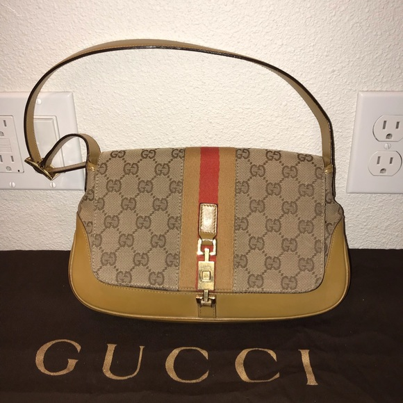 Gucci Handbags - Authentic Gucci jackie'o hobo baguette pochette